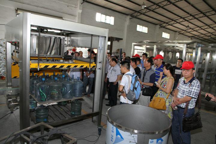 桶装水计量灌装机 国内品牌快达世权机械制造