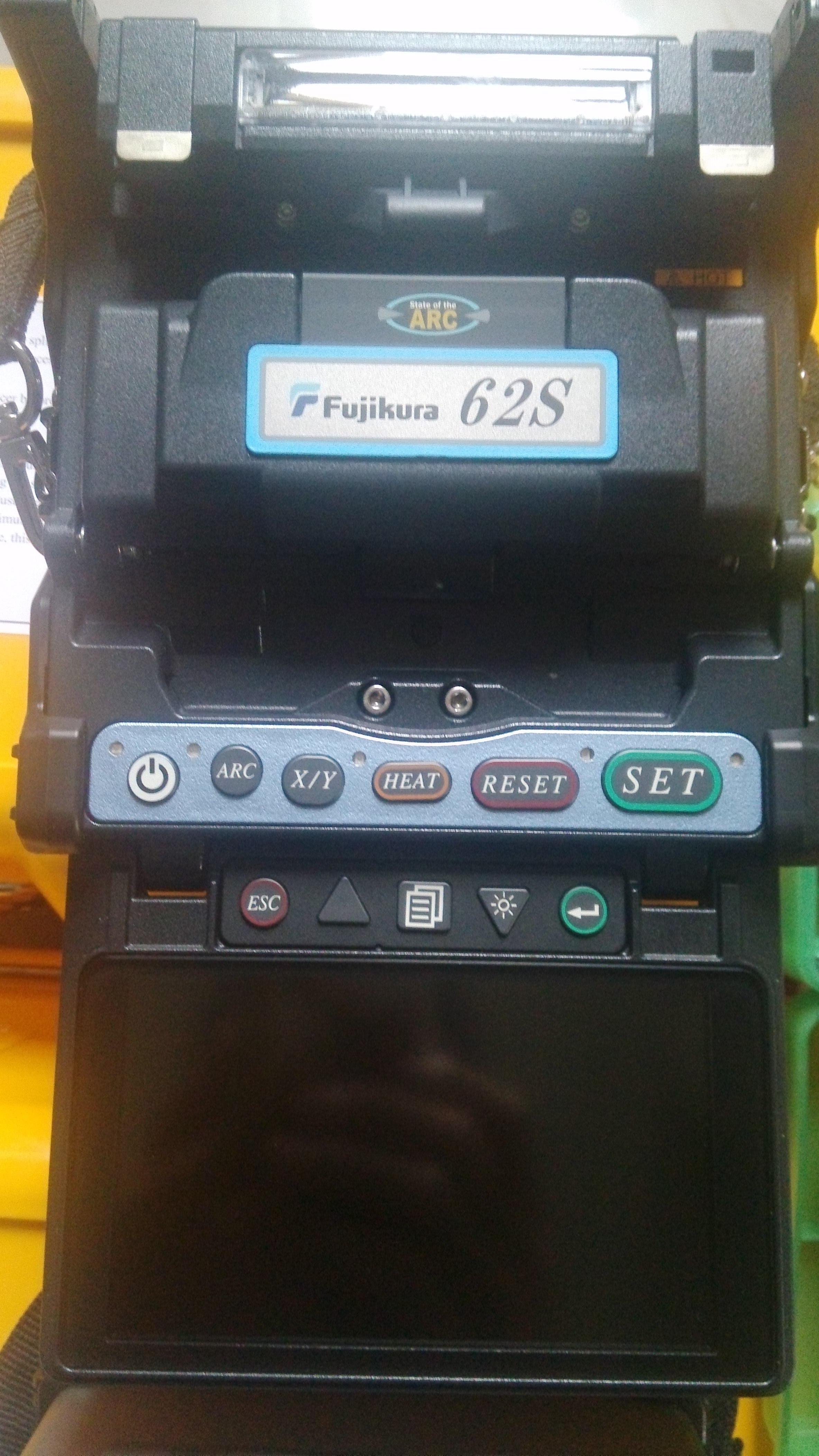供应用于光纤熔接|光缆抢修|光纤入户的四川省内江市藤仓62s光纤熔接机