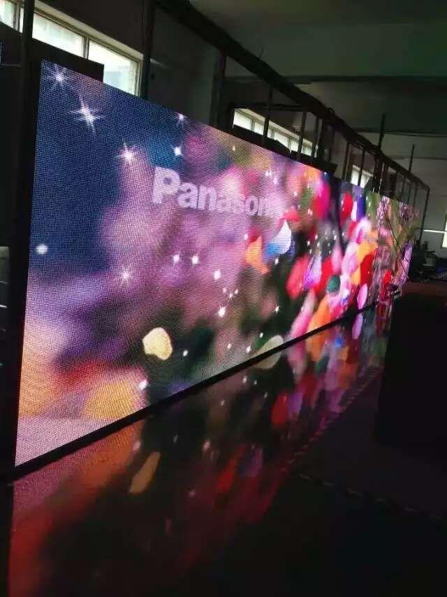 供应济南室内全彩led电子显示屏报价图片