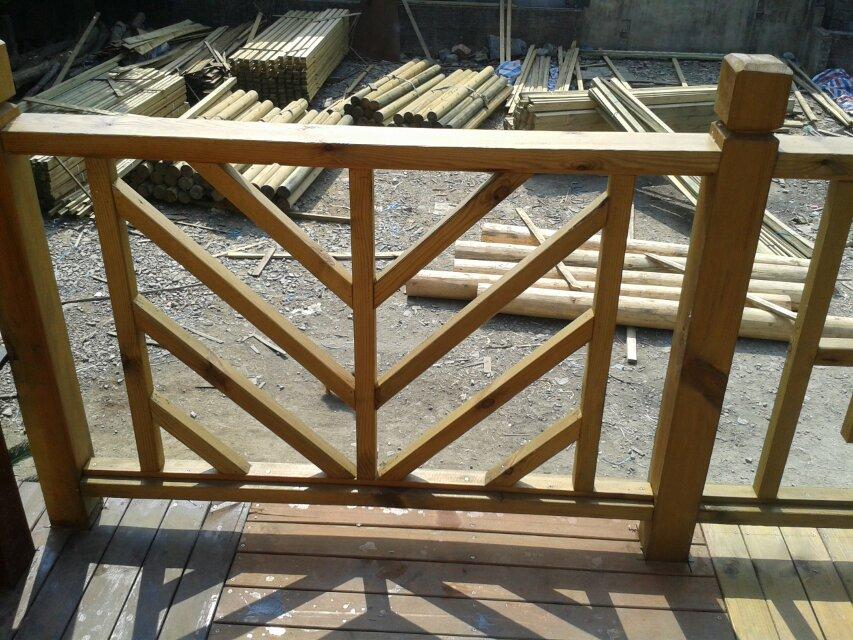 定制防腐木拱桥护栏栏杆栅栏等批发