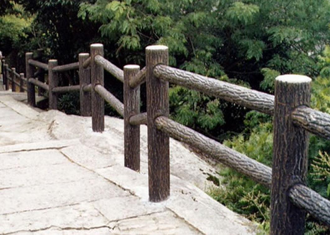 州专业制作仿木栏杆