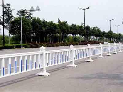 供应肇庆高速公路路边边框护栏网