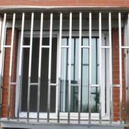 供应北京不锈钢防护栏安装 防护栏 防盗窗 安装 不锈钢防护栏制作
