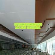 专业4s店吊顶木纹铝单板厂家图片