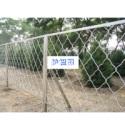 乌鲁木齐东艳机电设备供应护栏网、铁丝镀锌护栏网|包塑护栏网