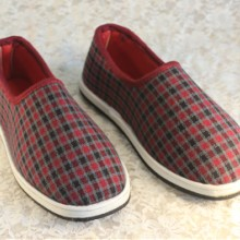 供应女款帆布鞋传统手工休闲布鞋防滑橡胶底单棉布鞋批发厂家直销