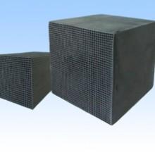 长期供应蜂窝型活性炭 江西废气处理蜂窝活性炭 专用蜂窝活性炭