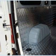 冷藏车厢体维修图片