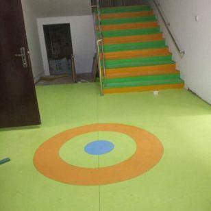 石家庄楼梯防滑垫 幼儿园pvc防滑垫 楼梯踏步塑胶地板