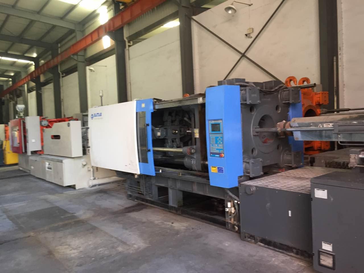 出售管件专用机器海天二手注塑机,海天注塑机470吨