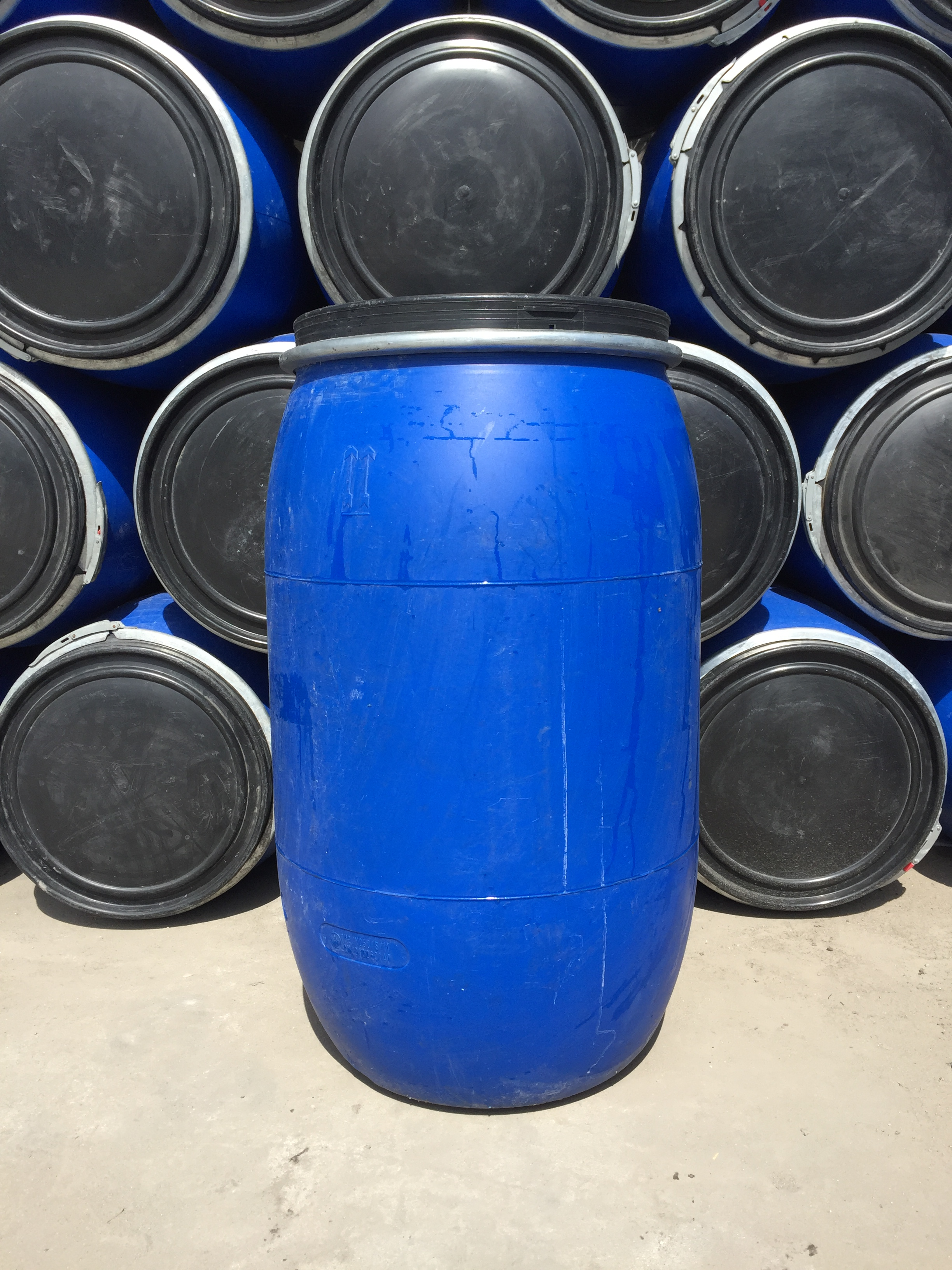 200L化工桶_200L塑料桶厂家低价出售_山东200L塑料桶厂家