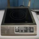 亚蒙 电磁炉AM30V特价包邮3