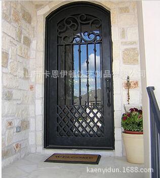 铁艺门玻璃门欧式锻造入户门图片描述:高端铁艺玻璃入户门