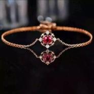 18K金天然红宝石镶嵌钻石手链图片