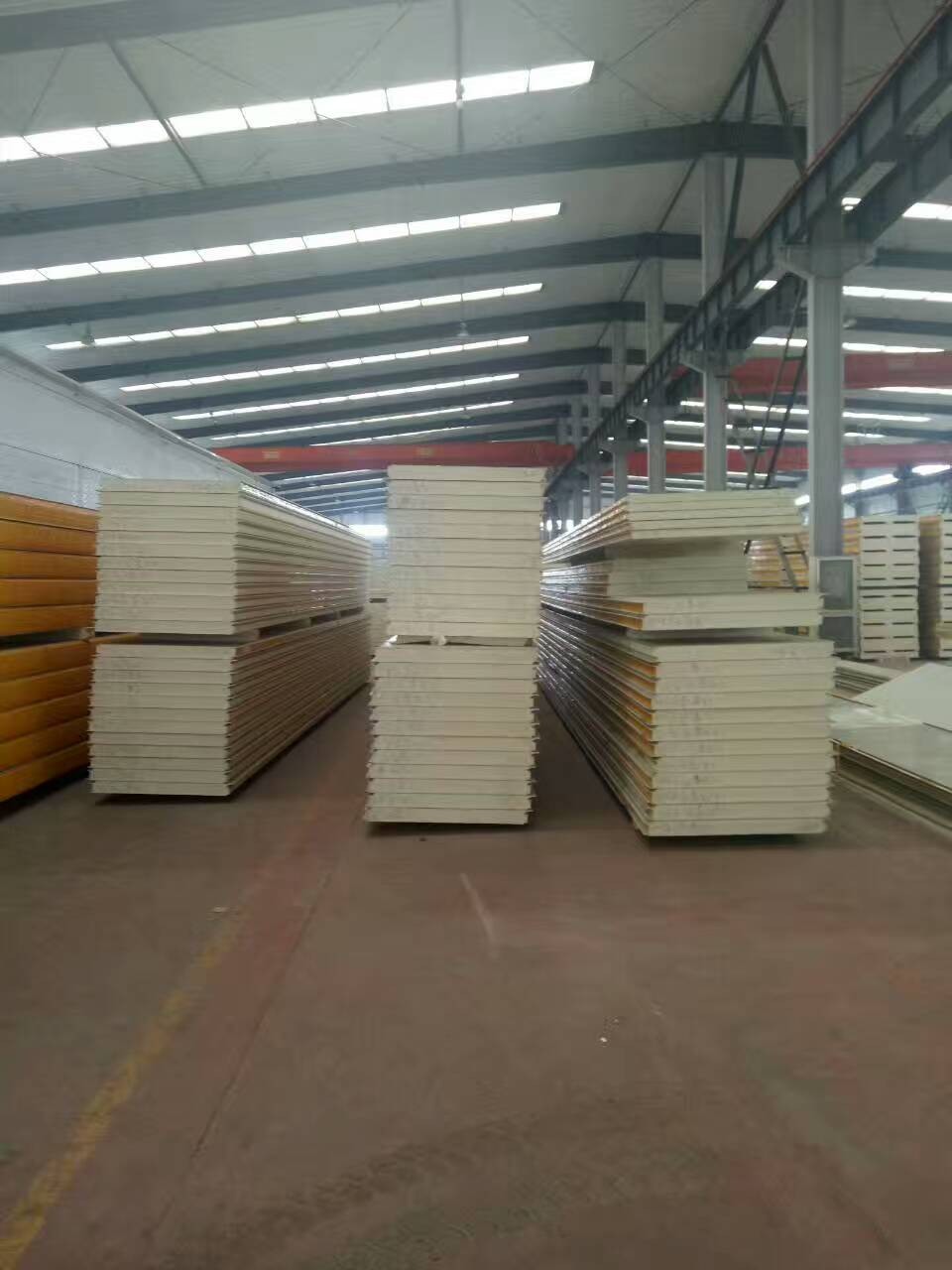 100mm聚氨酯保温彩钢复合板