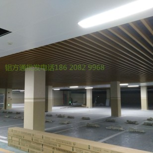 广东铝方通吊顶图片