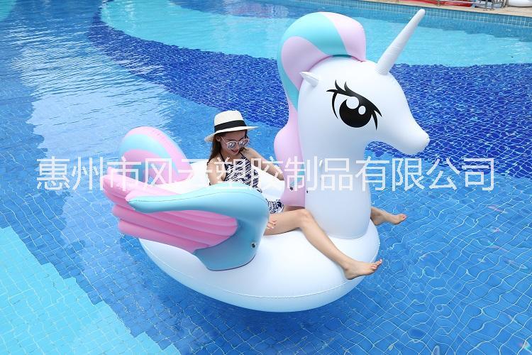 厂家直销pvc充气彩色独角兽成人水上冲浪大黄鸭坐骑充气玫瑰金天鹅火烈鸟浮排游泳圈 pvc充气浮排水上玩具天鹅游泳圈