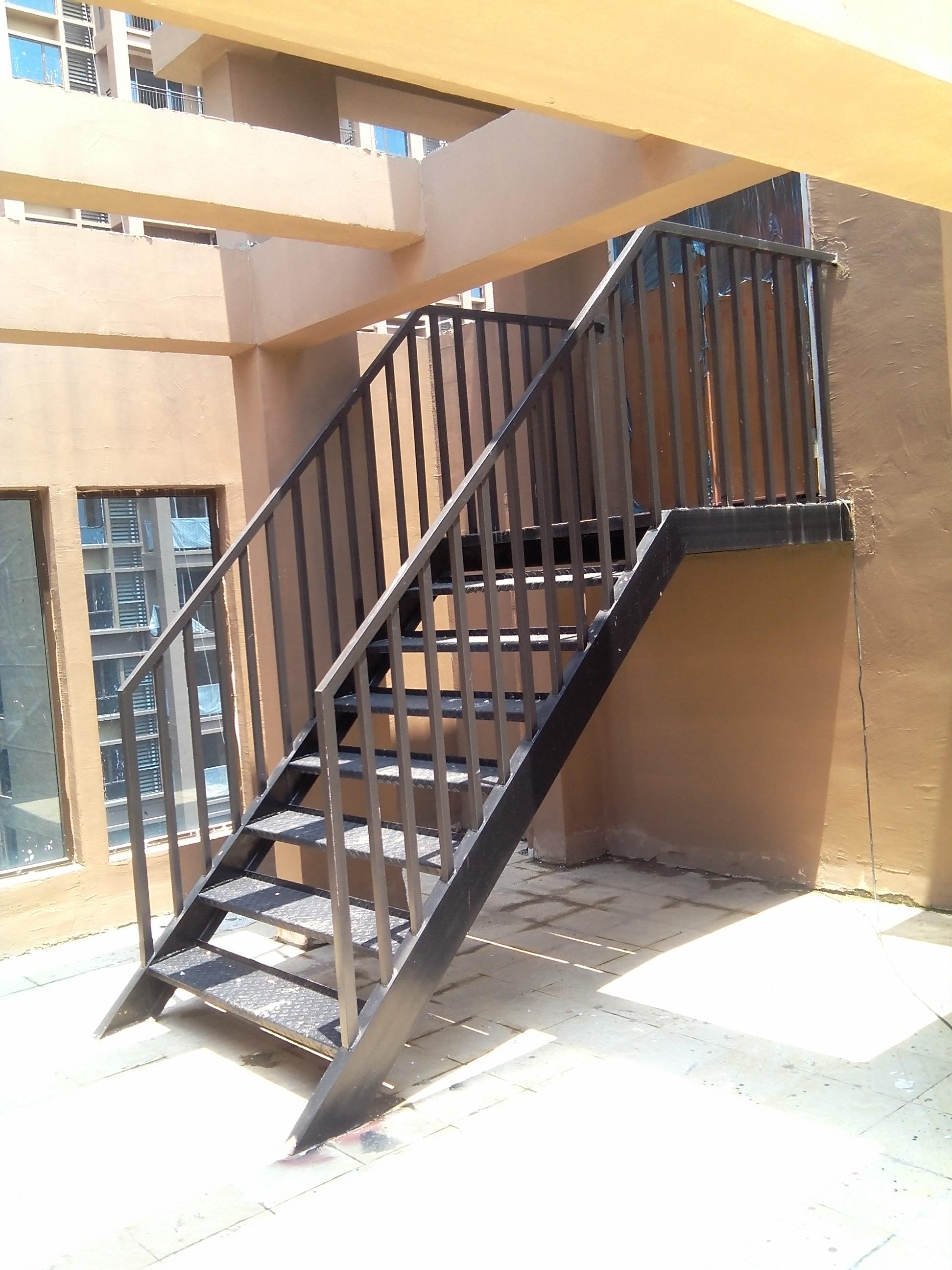 江西南昌钢梯生产厂家安装报价电话 钢梯定制 钢梯供应商哪家好