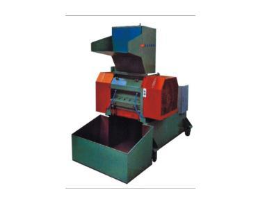 厂家直销水冷式强力粉碎机1 水冷式强力粉碎机2