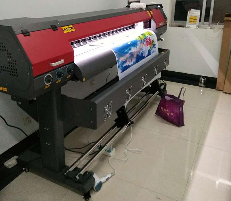 UV卷材打印机移门打印机广告设备写真机