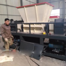 油漆桶专用粉碎机 大型金属类粉碎机 废弃轿车粉碎机图片