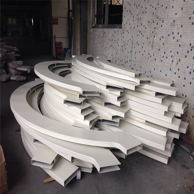 商场弧形铝方通转印木纹有哪些注意事项弧形铝方通的制作工艺