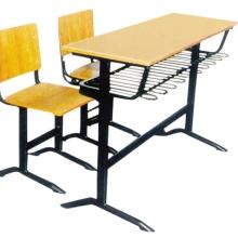 武汉市黄陂区兴岳钢木家具厂课桌椅学生课桌椅定做批发