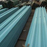 波形护栏板按表面处理分为热镀锌和镀锌喷塑两大类。