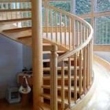 成都定制室内别墅复式实木木楼梯 厂家直销橡木居家欧式整体实木楼梯