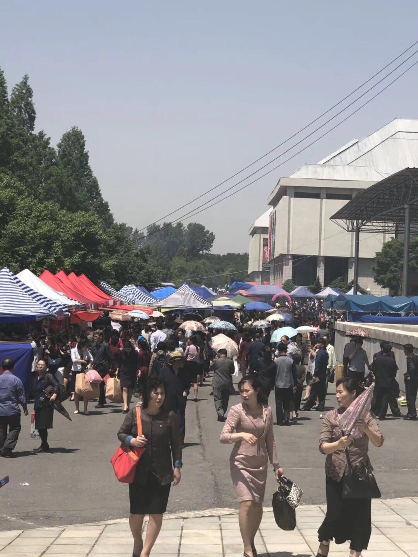朝鲜家具展销售
