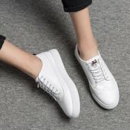 男士韩版休闲板鞋贴牌加工图片