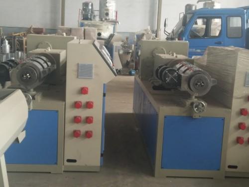 现货供应PVC75 200管材设备