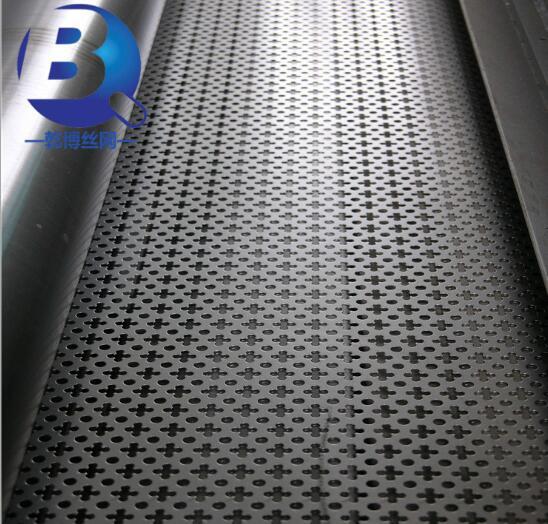 圆孔冲孔板、3mm厚铁板矿筛板、可以安要求特殊定做