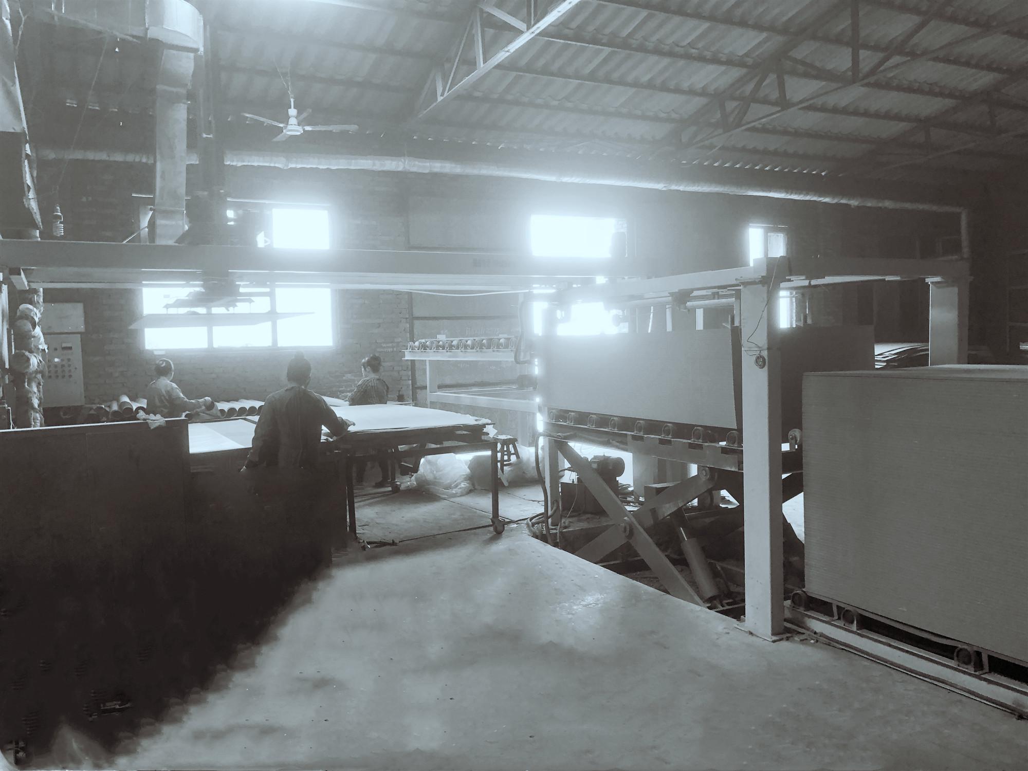 江苏热压机流水线、主要用于一高、中密度板、刨花板等为基材生产家具板或顾边人造板