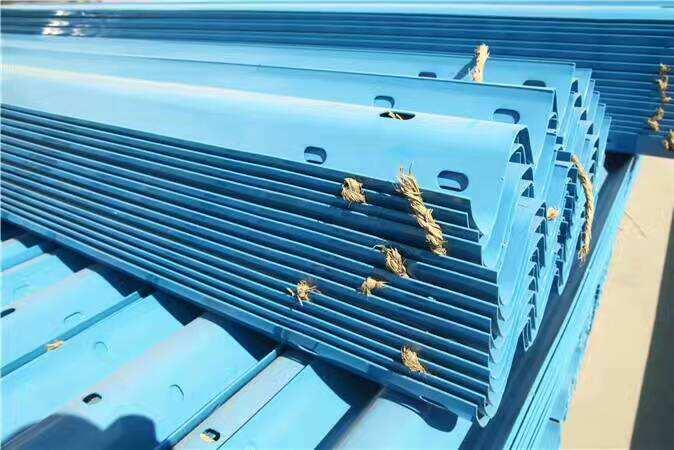 省道波形护栏 省道波形护栏定制 省道波形护栏哪里好 省道波形护栏厂家 省道蓝色波形护栏板