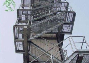 佰纳钢格板厂家直销钢梯踏步板图片