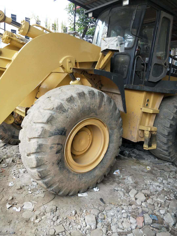 挖掘机翻新@深圳铲车翻新、喷漆多少钱