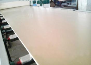 PVC建筑模板生产线图片