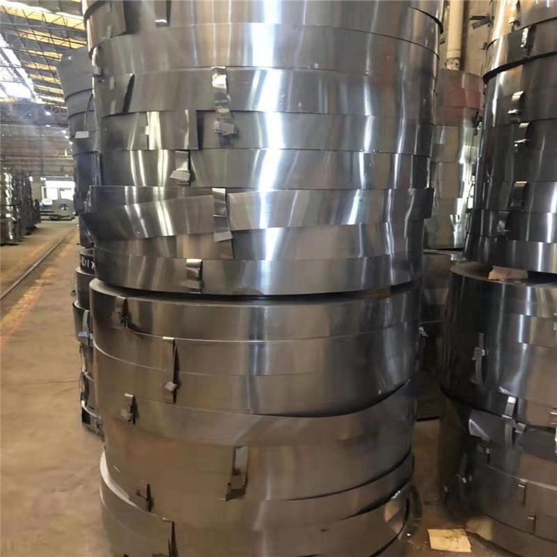 L 厂家直销 0.9*32mm  镀锌打包带 铁皮打包带钢 厂家配送  Q195 哪里钢带便宜