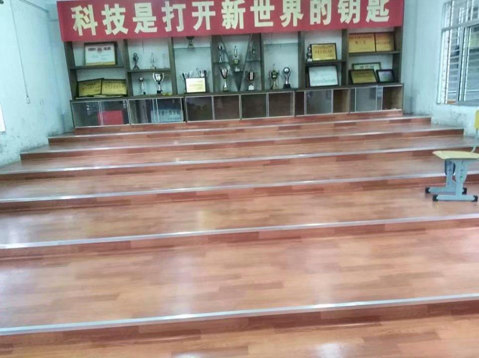 梅州歌剧院PVC塑胶地板 兴宁电影院PVC防滑地板 展厅塑胶地板装饰